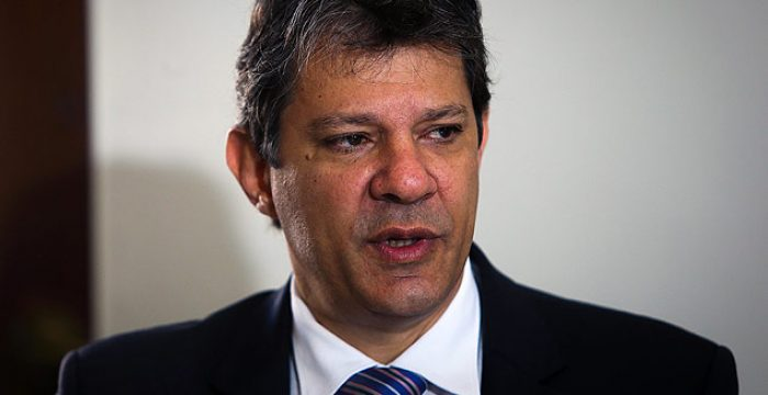'Agenda Temer' tenta pôr o Brasil de hoje na República Velha, diz Haddad
