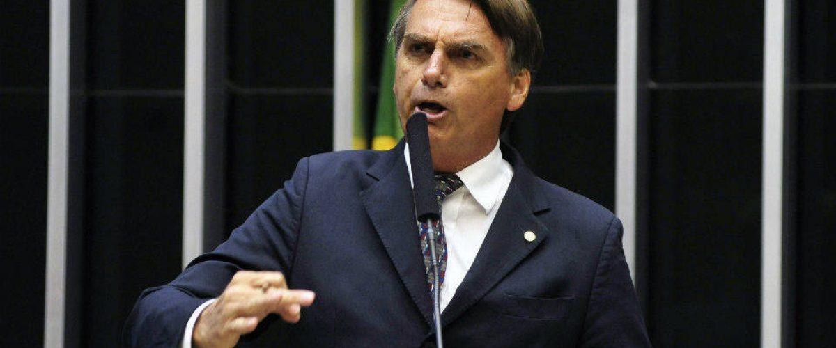 Bolsonaro: desgoverno, Deus e pátria