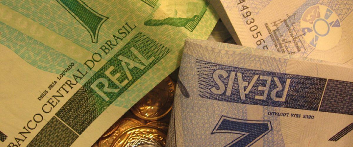 Não, o Estado brasileiro NÃO é grande