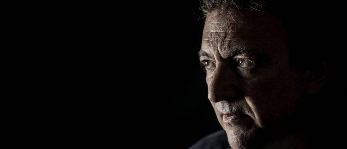 """Misha Glenny: """"Os grandes traficantes brasileiros não moram nas favelas"""""""