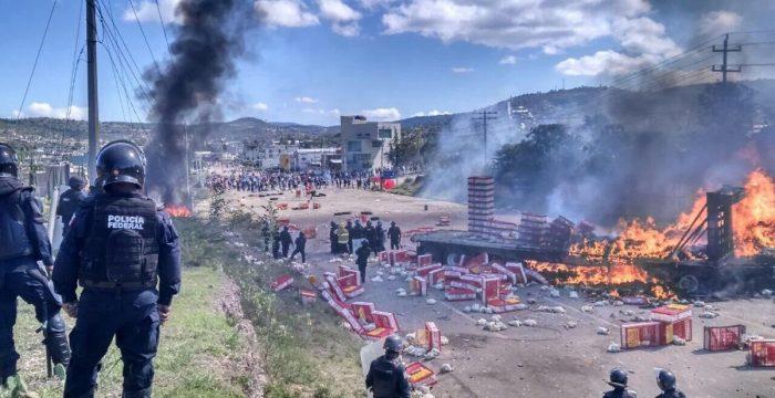 """Uma revolução acontece no México—mas a mídia """"não sabe"""""""