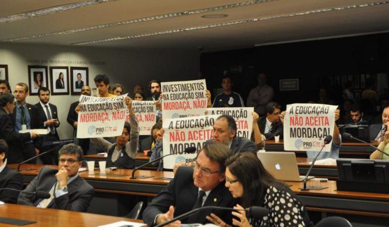 Projeto Escola sem Partido é mais autoritário que currículo educacional da ditadura