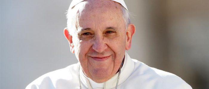 Católicos conservadores idolatram Trump e atacam Francisco abertamente