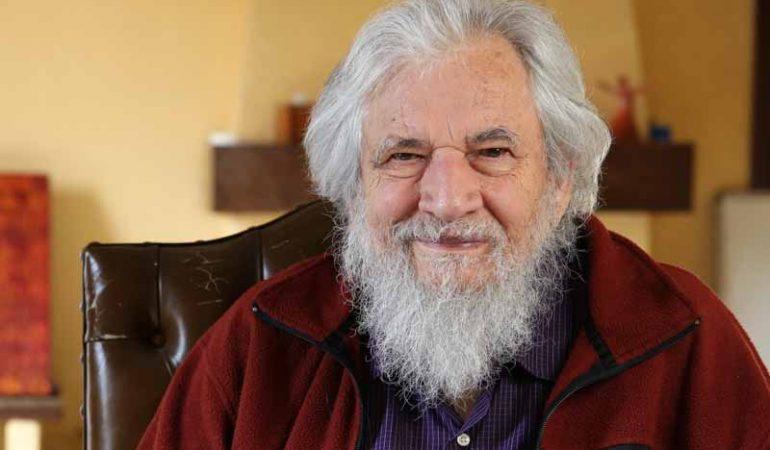 """Claudio Naranjo: """"A educação atual produz zumbis"""""""