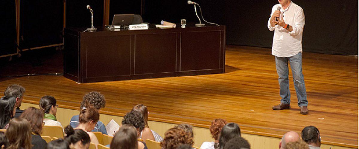 """""""A educação não é para amadores"""", diz educador português José Pacheco"""