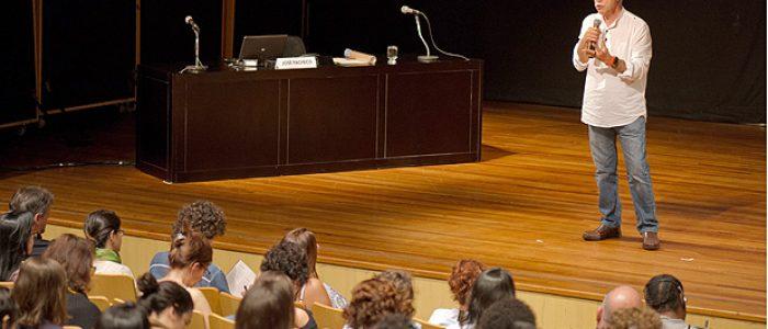 José Pacheco: Onde estão os professores? Por que não ocupam suas escolas?