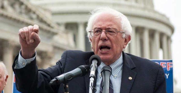 """Bernie Sanders denuncia """"salários de fome"""" do Walmart em reunião anual de acionistas"""