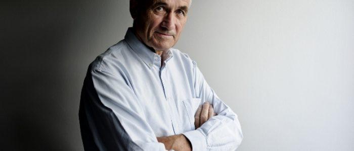 Indústria farmacêutica age como o crime organizado, diz pesquisador