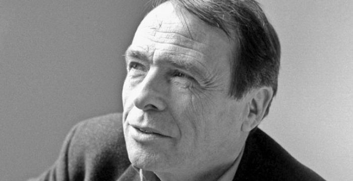 Capital simbólico e classes sociais, artigo de Pierre Bourdieu