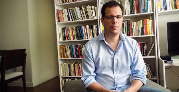 'É necessário que cada boato seja desmentido', diz professor da USP
