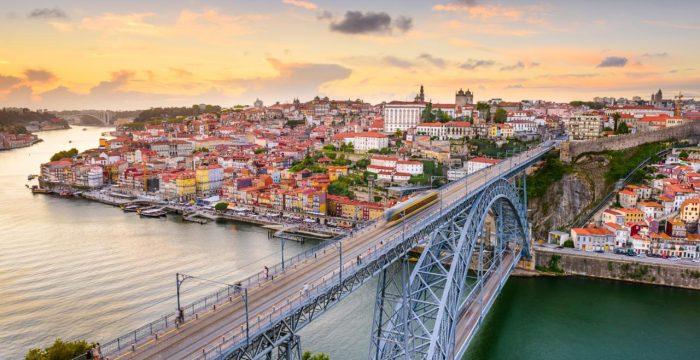 """Portugal: um ano depois, a """"geringonça"""" e as suas contradições (1)"""