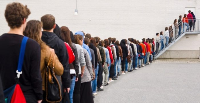 Demora 10 anos para recuperar empregos, e maioria será sem carteira