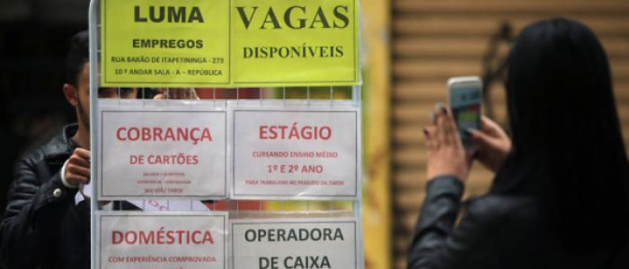 Número de desempregados aumenta 2,6 milhões no primeiro ano de Temer
