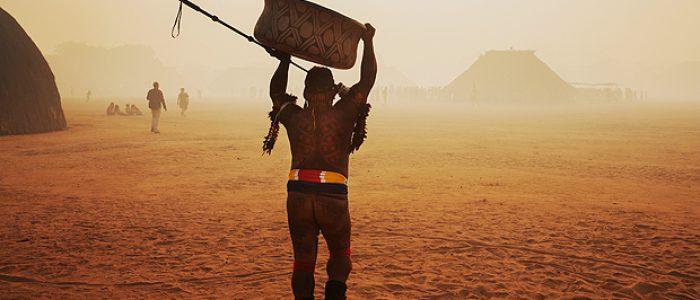 Livro reúne informações sobre as 252 etnias indígenas que restam no Brasil