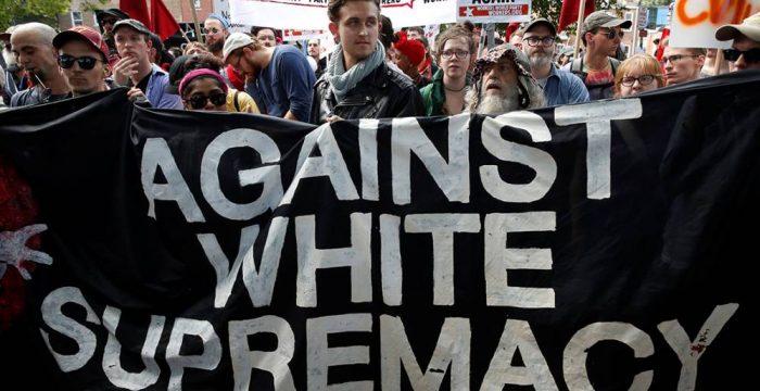 Teoria racista, sexista e antifeminista cresce na extrema-direita mundial