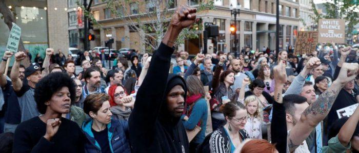 Depois de Charlottesville: Como a Classe Trabalhadora Pode Derrotar a Direita