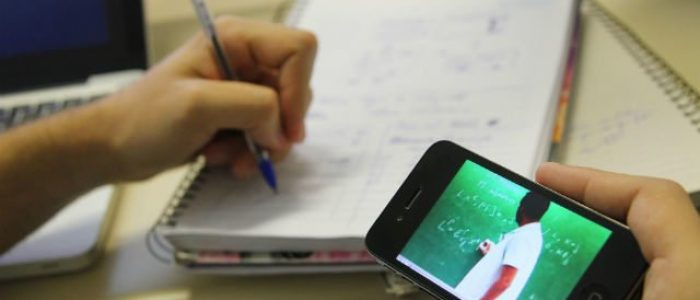 É possível aplicar a sala de aula invertida nas escolas públicas?