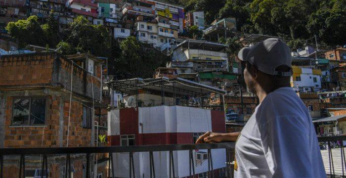 """Santa Marta, a comunidade """"modelo"""" que resume a agonizante pacificação no Rio"""