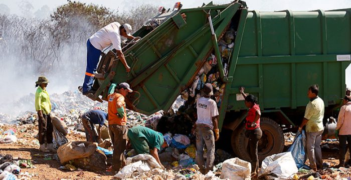 Cai geração de resíduos no país e mais cidades usam lixão, aponta estudo