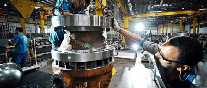 Brasil: a produção industrial cai e se contorce no fundo do poço
