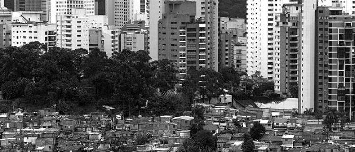 Brasil não redistribuiu renda do topo para a base da pirâmide