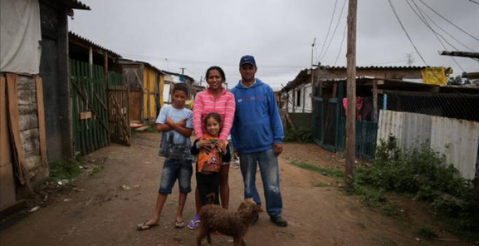 22% dos brasileiros vivem abaixo da linha da pobreza, diz estudo