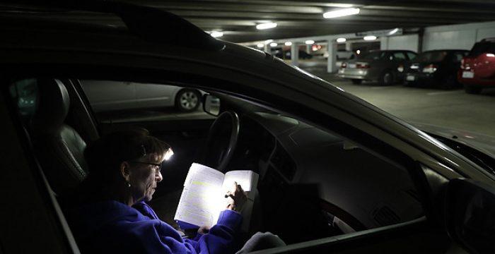 Carro vira moradia para trabalhadores do Vale do Silício