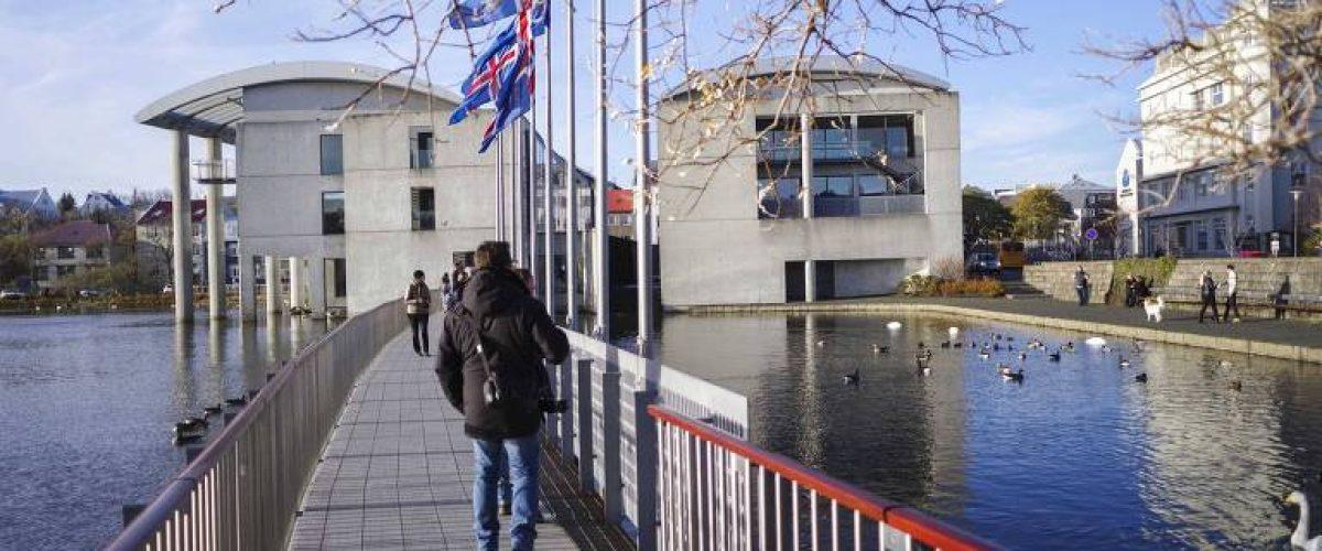 Causas do colapso econômico islandês seguem presentes, afirma jornalista