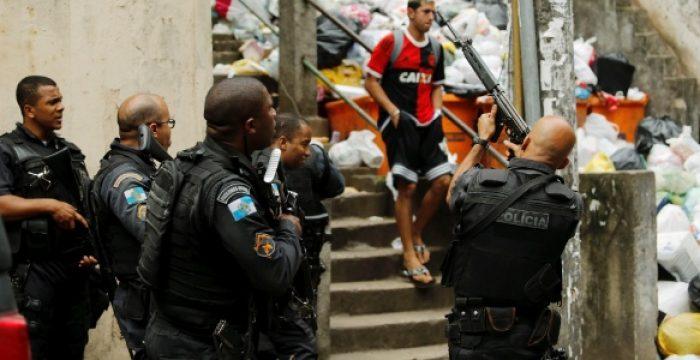 """""""Abuso de força letal"""": RJ tem 36 mortos para cada policial assassinado no Estado"""