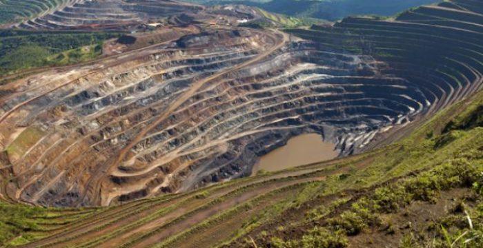 """Os """"dejeitos"""" da mineração no Brasil"""