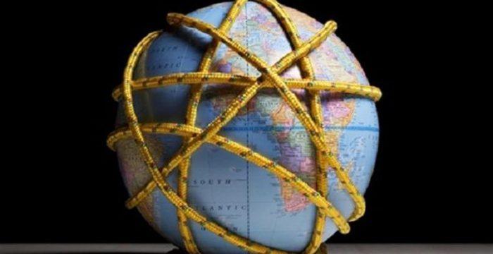 O tripé da globalização quebrou. Ameaça de nova crise mundial ressurge