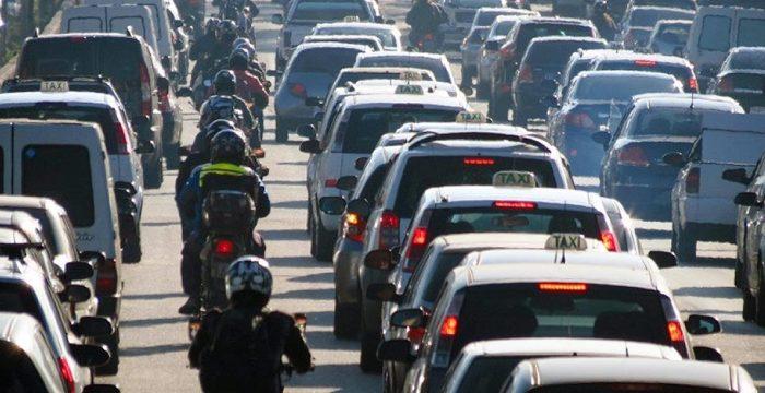 Brasil se equilibra numa bicicleta alugada