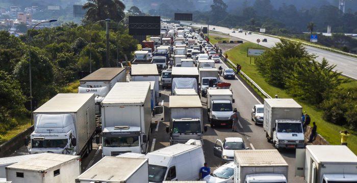 Conjuntura em ebulição evidencia transição política no Brasil