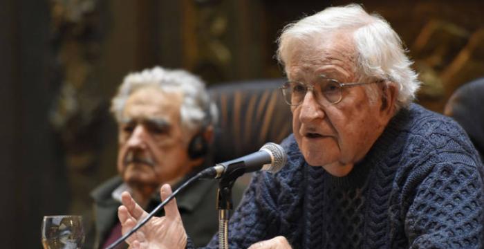 Lula é alvo de ataque da elite, mas esquerda precisa fazer autocrítica, diz Chomsky