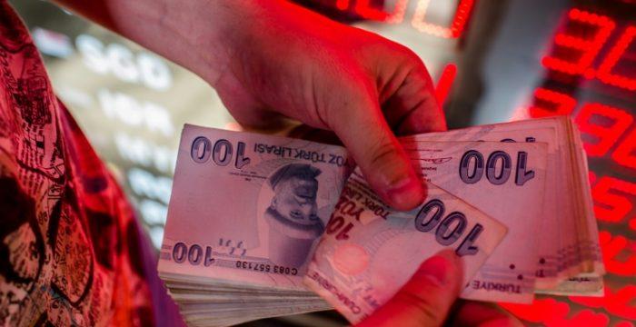 De Istambul a Buenos Aires, as moedas derretem