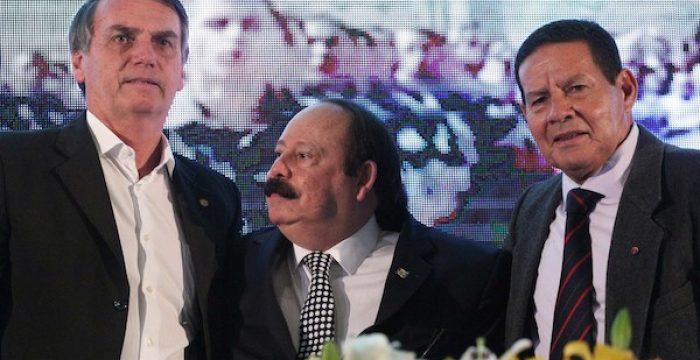 Por que figuras folclóricas, medíocres e violentas como Bolsonaro acabam desafiando a razão e a inteligência?