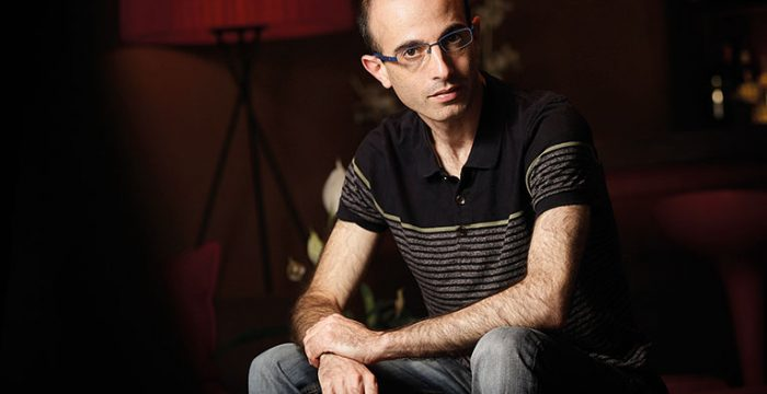 Precisamos já de uma ordem planetária pós-liberal, diz Yuval Noah Harari