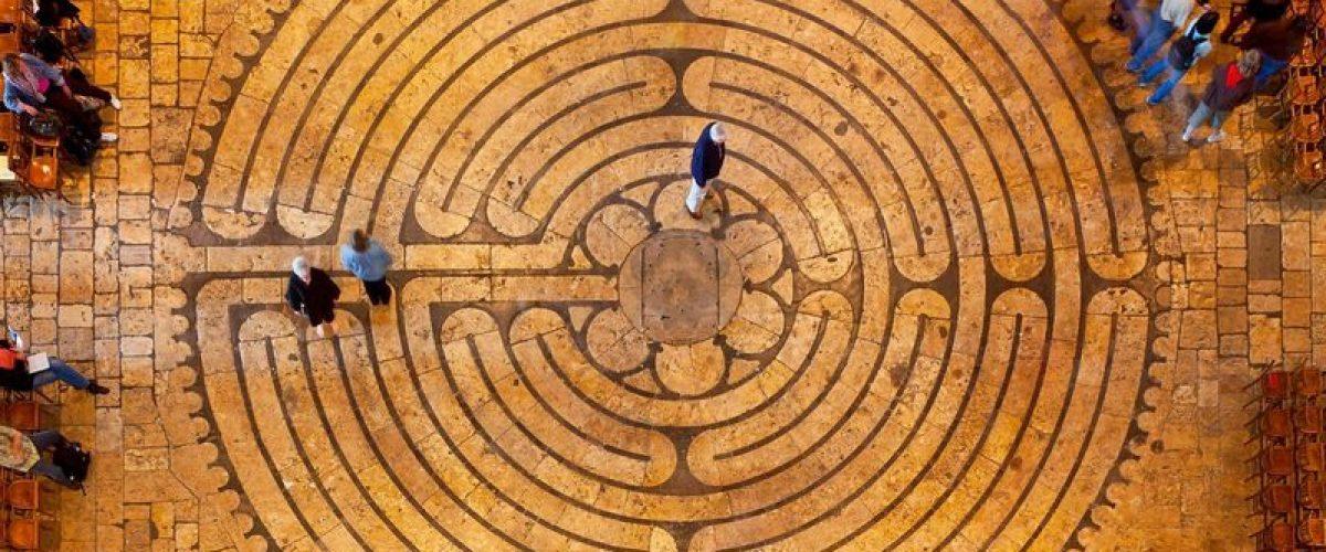 Dowbor: há saída no labirinto capitalista?
