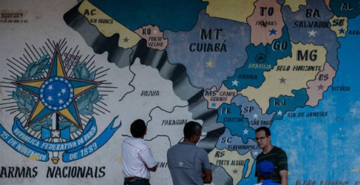 Brasileiro superestima em 75 vezes o número de imigrantes no país, diz pesquisa