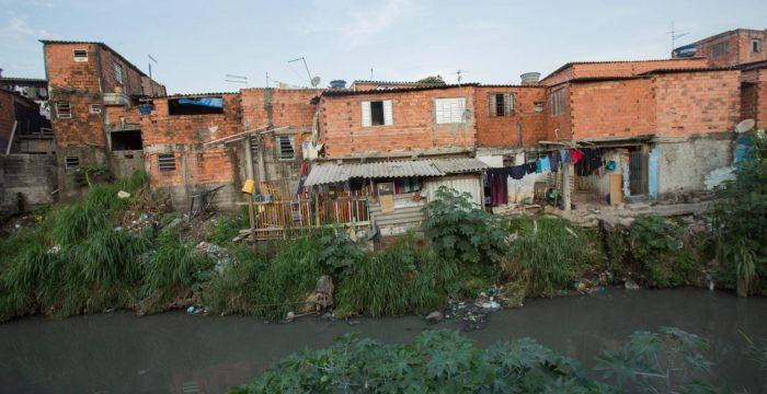 """""""A extrema pobreza voltou aos níveis de 12 anos atrás"""""""