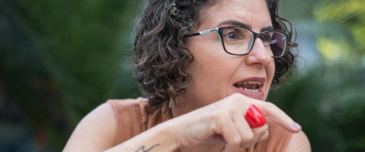 Professora fala sobre militarização de escolas em Goiás
