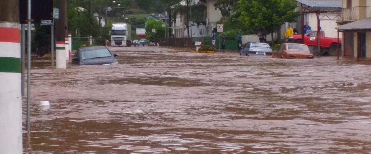 Enchentes urbanas: a criminosa insistência em um modelo fracassado