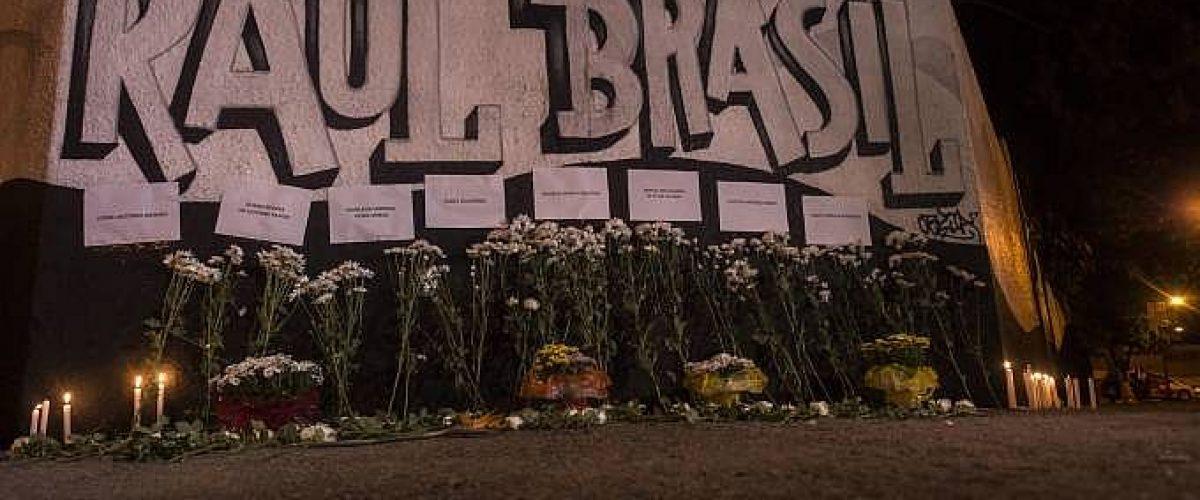 Com fixação por armas, Brasil copia o que EUA têm de pior