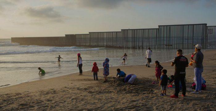 A história da menina que morreu abraçada ao pai tentando chegar aos EUA