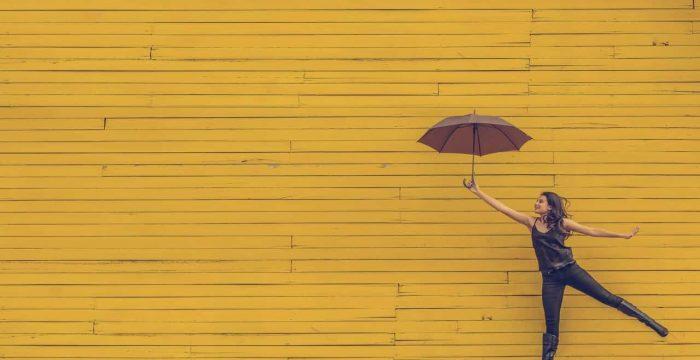 Como encontrar a felicidade em tempos sombrios: três passos para olhar o futuro