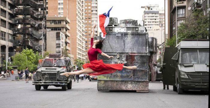 Na Hungria ou no Brasil, a arte volta a ser escudo da democracia